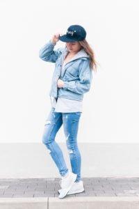 Jeansowa stylówka: denim look z butami New Balance #1