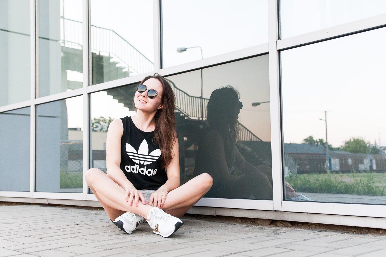 Letnia, sportowa stylizacja - outfit na lato