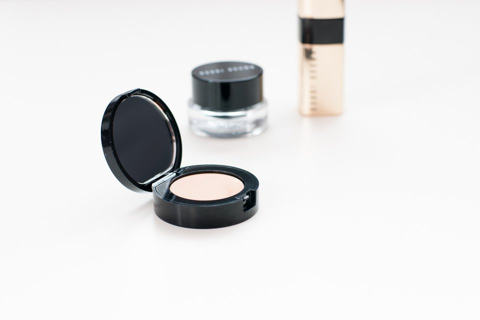 Korektor Bobbi Brown Creamy Concealer