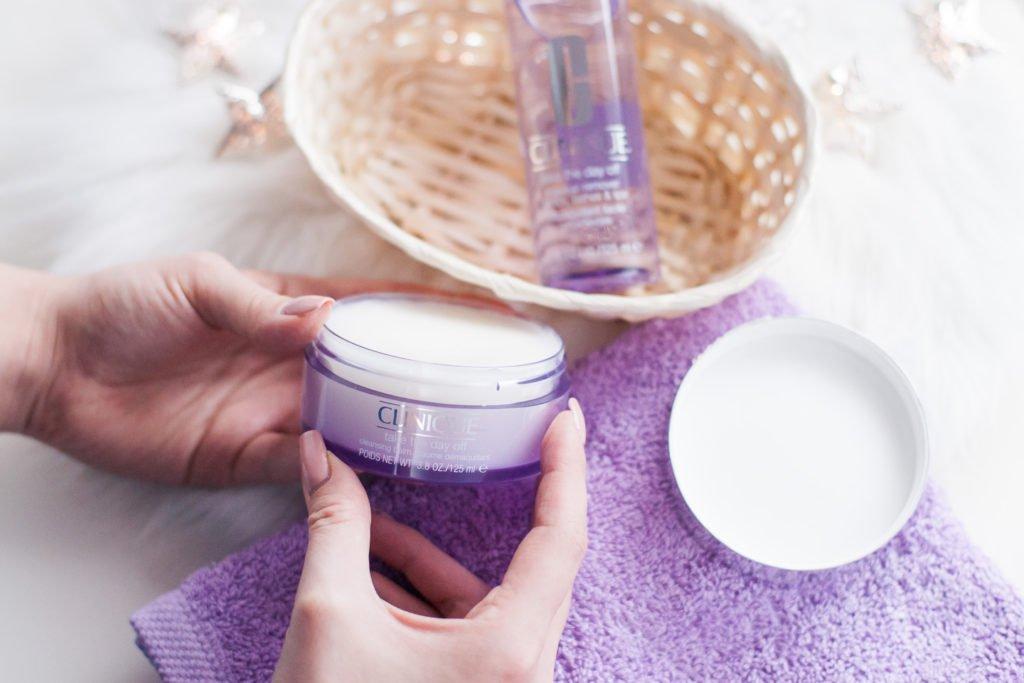 Demakijaż z Clinique Take The Day Off: płyn do mycia twarzy, balsam do demakijażu