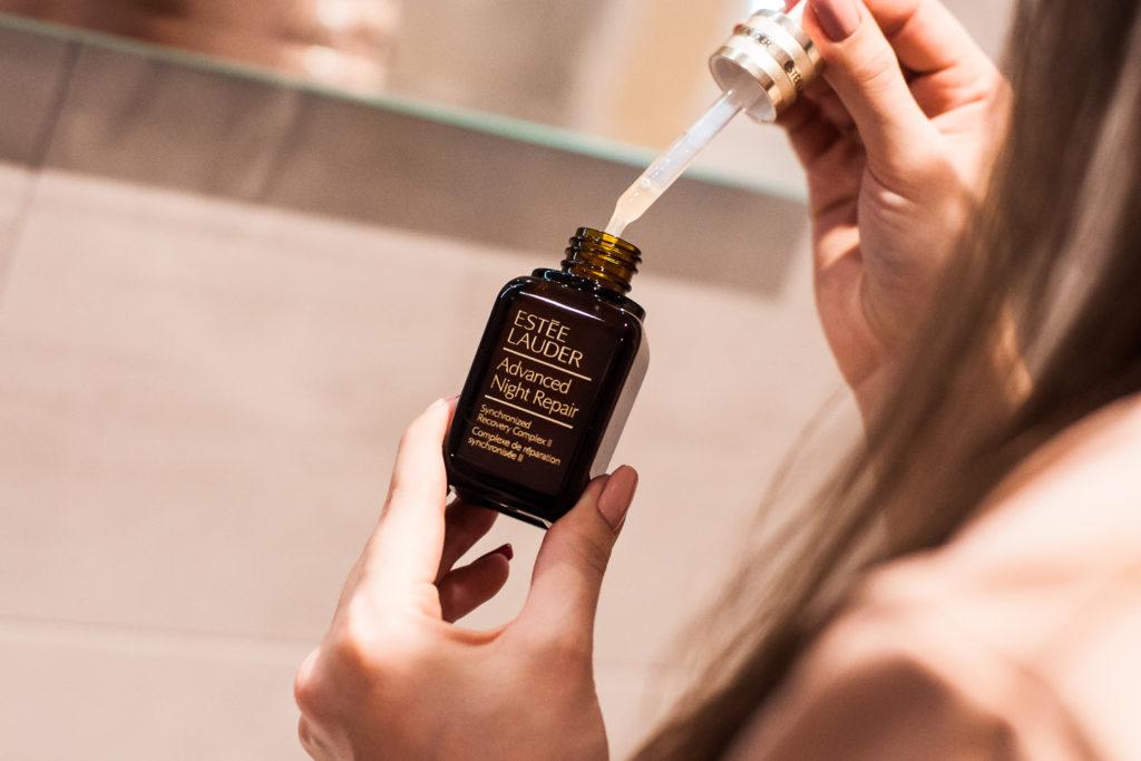 Estée Lauder Advanced Night Repair - serum regenerujące skórę twarzy na noc