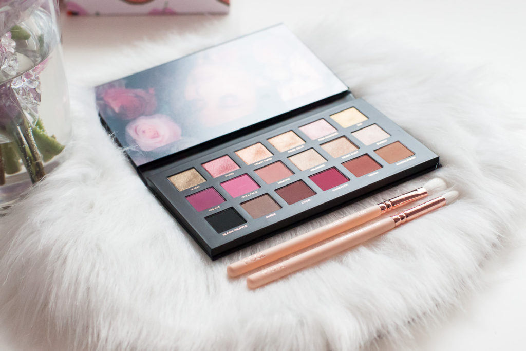 Test i recenzja paletki cieni Huda Beauty Rose Gold Remastered
