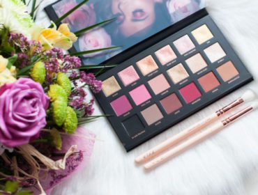 Test i recenzja paletki cieni Huda Beauty Rose Gold Remastered - Blog StyleVibes