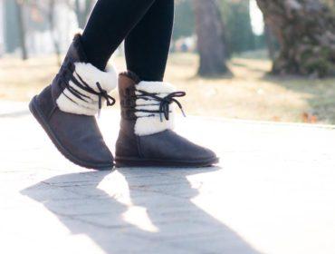 Stylizacja z butami Emu na cieplejsze dni zimy